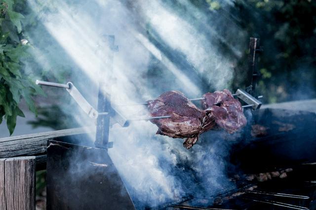 מעשנת בשר